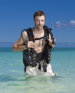 James Hinchcliffee dives deep below the oceans surface to escapre the everyday hectic life of an IndyCar star.