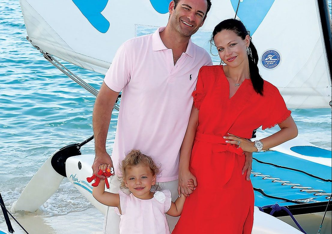 "A little ""me-time"" is hard enough for a busy TV star but Tammin Sursok is all about the family vacation on island."